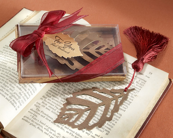 <center>�Turning Leaves� Bookmark with Burgundy Silk Tassel</center>