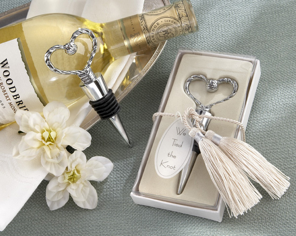 <center>�We Tied the Knot� Braided Heart Bottle Stopper</center>