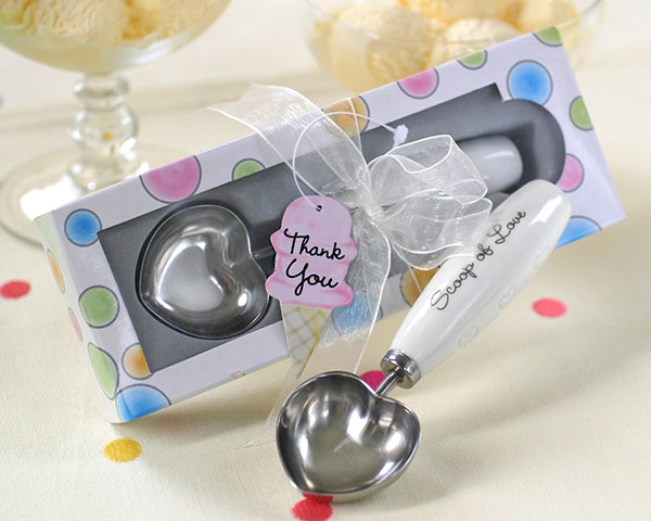 <center>&quot;Scoop of Love&quot; Heart Shaped Ice Cream Scoop</center>