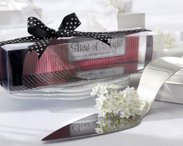 <center>�Slice of Style� Stainless Steel High Heel Cake Server </center>
