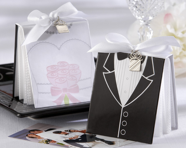 <center>�Side by Side� Bride & Groom Photo Album Favors </center>