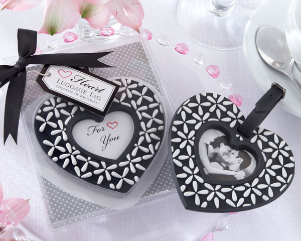 "<center>""Follow Your Heart"" Black-and-White Luggage Tag </center>"