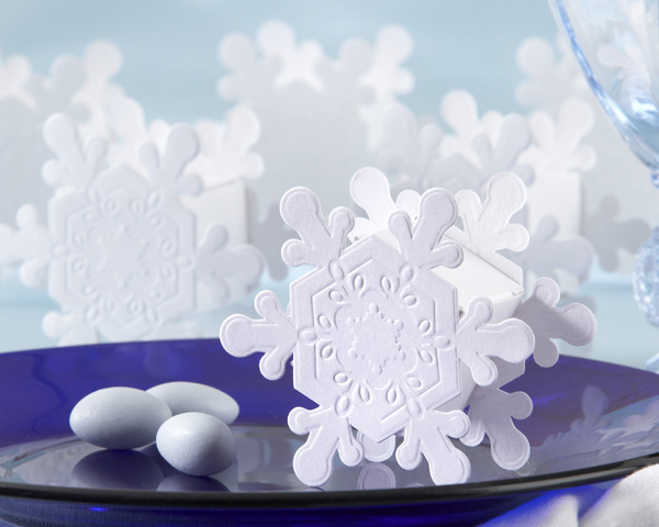 <center>Embossed Snowflake Favor Box (Set of 24)</center>